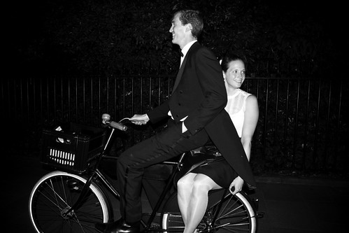 Dublin Cycle Chic - Dutch Couple Night Ride2 | by Mikael Colville-Andersen