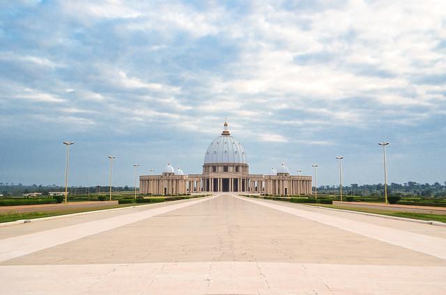 Basilique Notre Dame de la Paix, Yamoussoukro