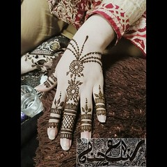 #rangehena #henalover #hennadoodle #henna #hennaart #hennadesign #hennatattoo #hennaartist