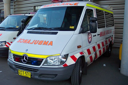 2003 mercedes benz sprinter ambulance 2003 mercedes benz for Mercedes benz emergency number
