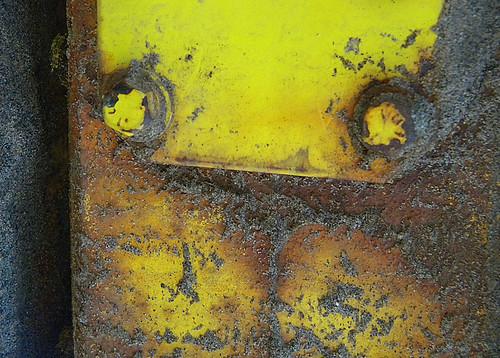 yellow emoticon :]