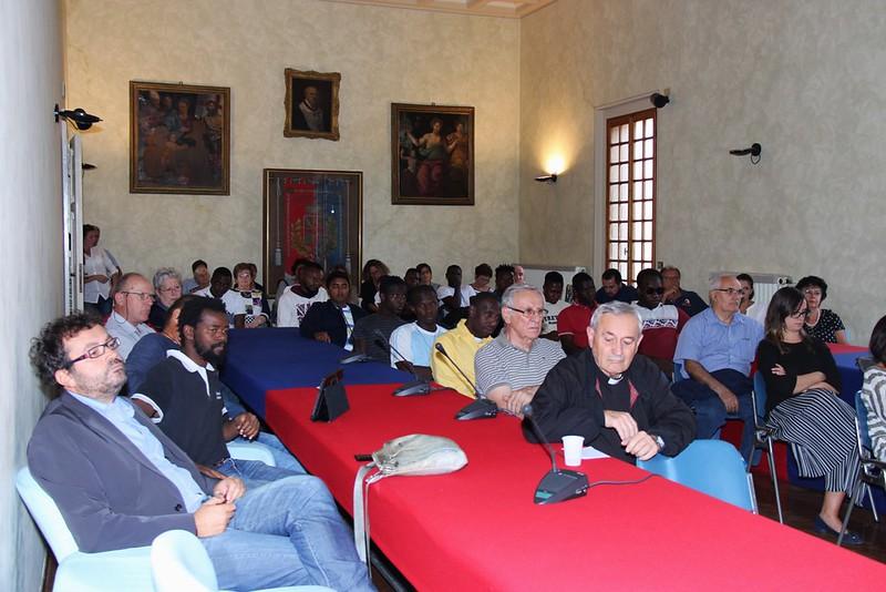 I giovani migranti vengono accolti in municipio a Castel Bolognese per testimoniare le proprie storie