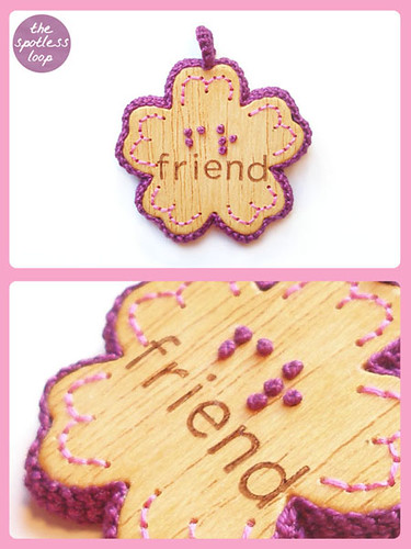 "Braille Pendant ""Friends"" 
