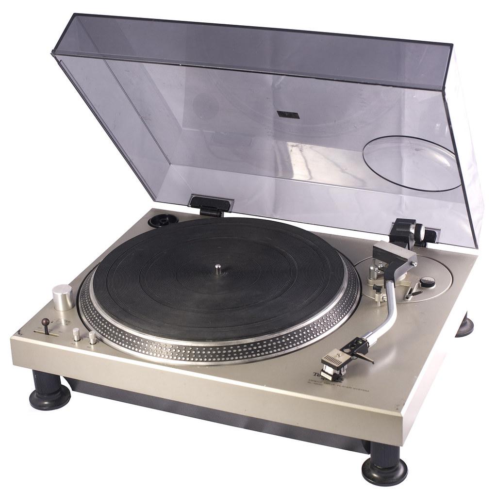 Technics SL-1200 | RhythmTravels.com