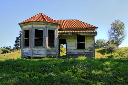 Old house, Te Kuiti, Waikato, New Zealand | by brian nz
