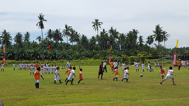 DavaoLife.com: Coca-Cola FEMSA Partners with ANAKK Sta. Cruz and Real Madrid for Social Sports School Program