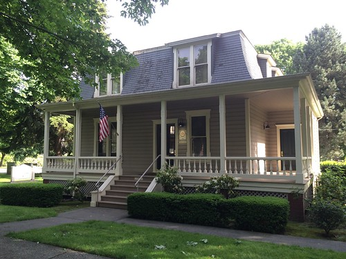 Historic homes officers 39 row fort vancouver wa for Home builders vancouver wa