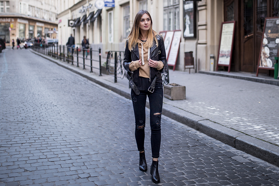 street-style-outfit-hoodie-leather-jacket
