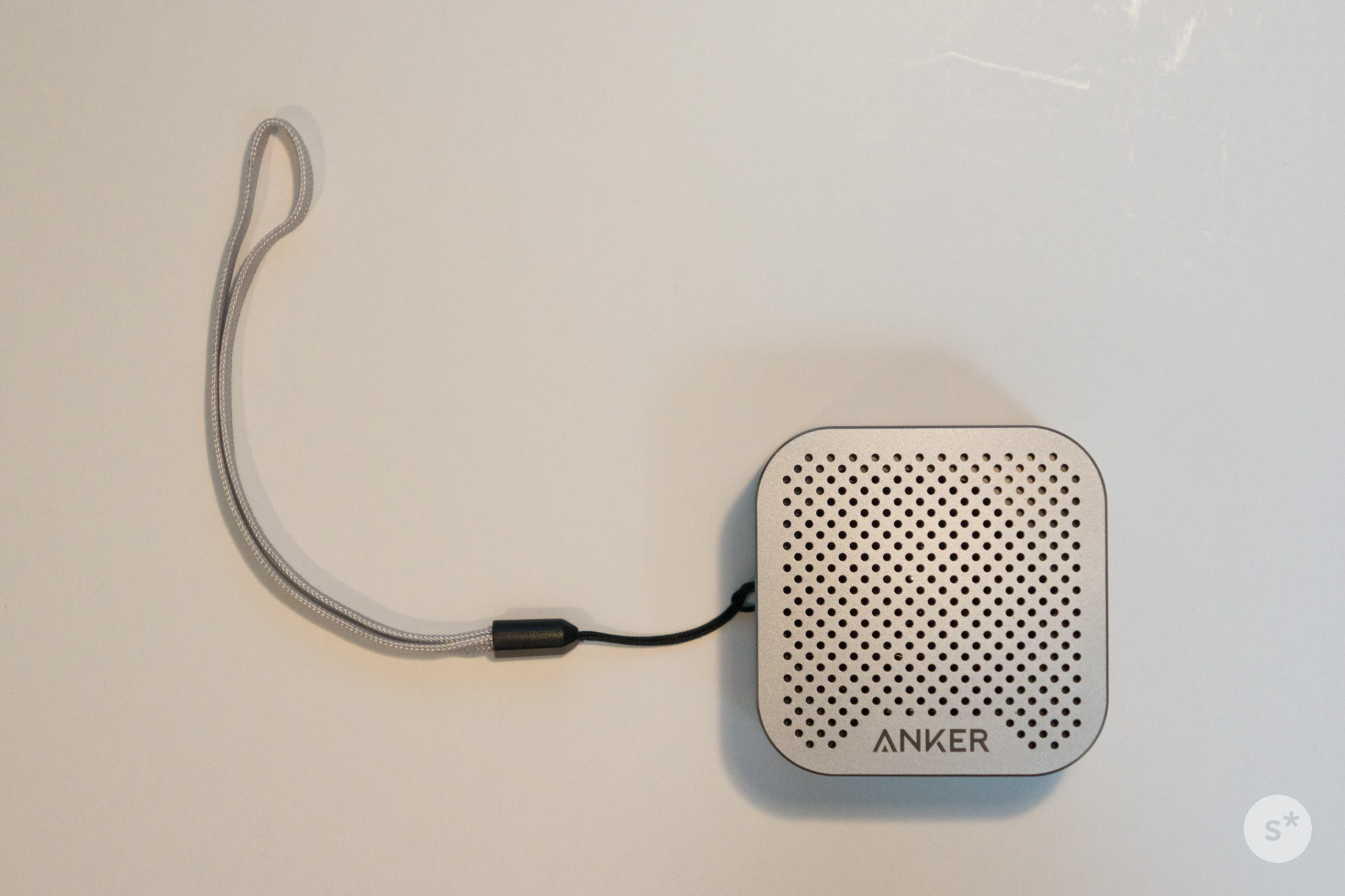 speaker_with_strap