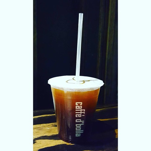 Come and have an iced Americano and celebrate this beautiful autumn day.🍂☕❤
