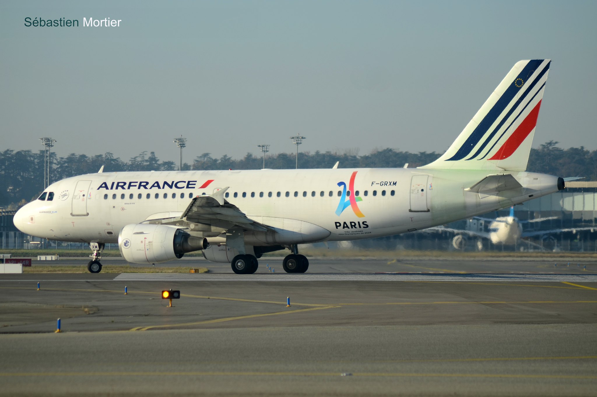 319.111 AIR FRANCE F-GRXM 2961 PARIS 2024 03 12 16 TLS