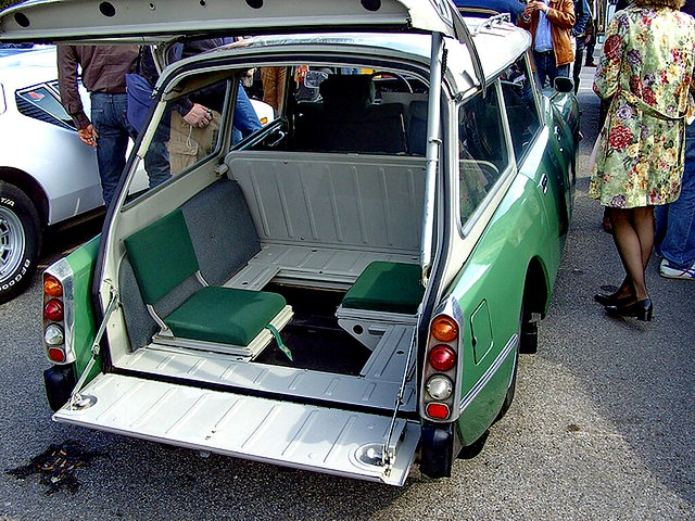 Citroen ID backseats 1