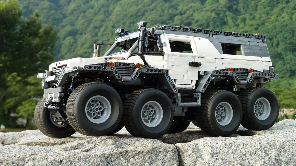 LEGO Technic Avtoros Shaman 8x8 ATV