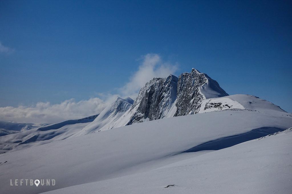 Máttačorru ridge