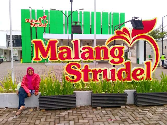 Malang Strudle, oleh-oleh kekinian dari Malang