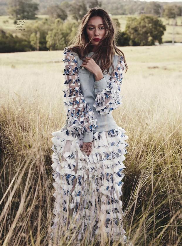 Alycia-Debnam-Carey-Vogue-Australia-Nicole-Bentley-03-620x837