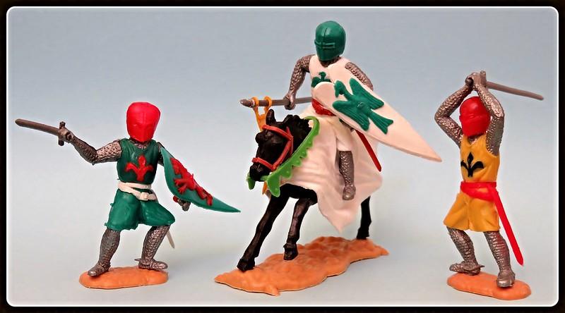 Toy soldiers, cowboys, indians, space men etc 31410255285_c3b6e2af0a_c