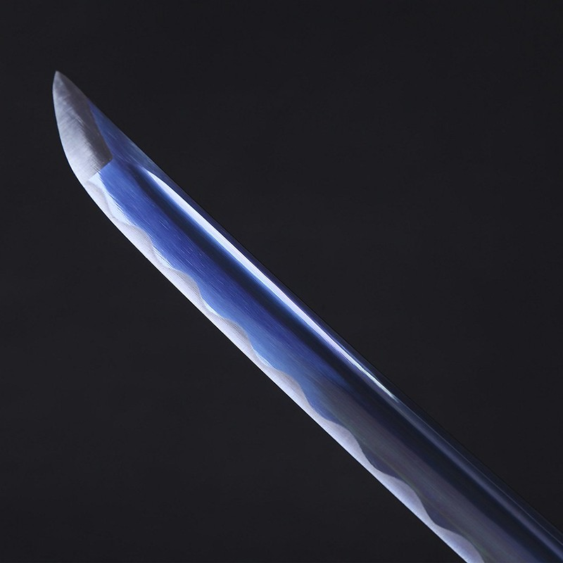 Samurai-sword-blue-handmade-carbon-steel-katana-blade-tip