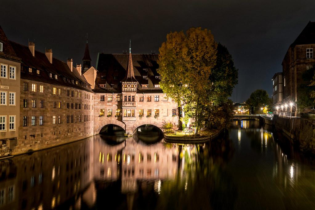 Museumsbrücke Nürnberg bei Nacht