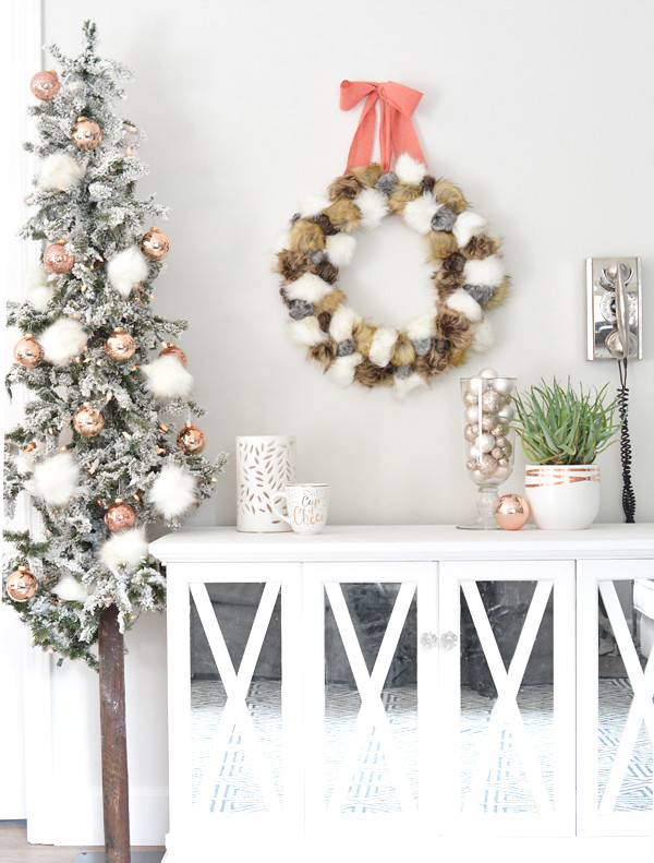 Fur Pom Pom Wreath Metallic Holiday Decorating