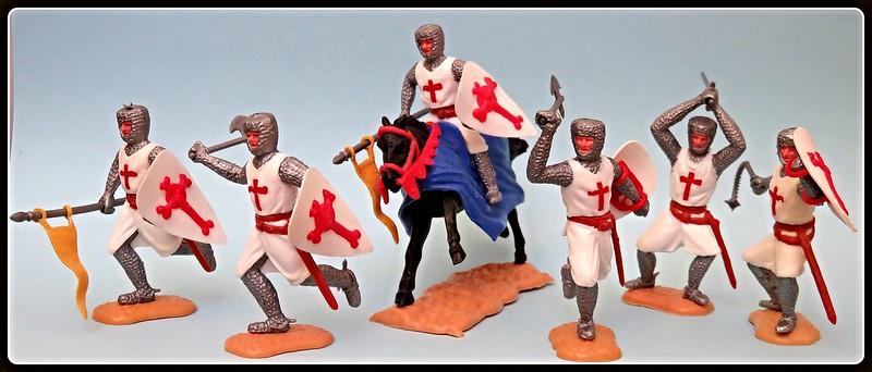 Toy soldiers, cowboys, indians, space men etc 31410255245_0949e61938_c