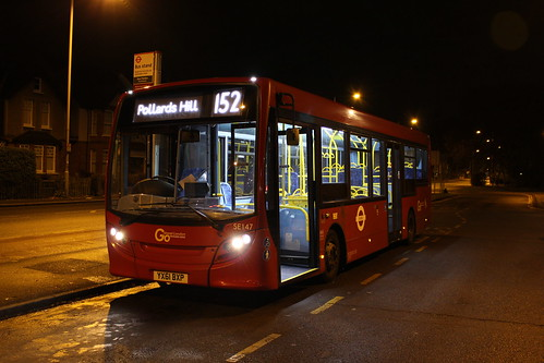 London General SE147 on Route 152*, New Malden Fountain