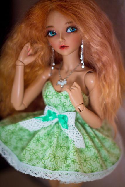 green_dress_mnf