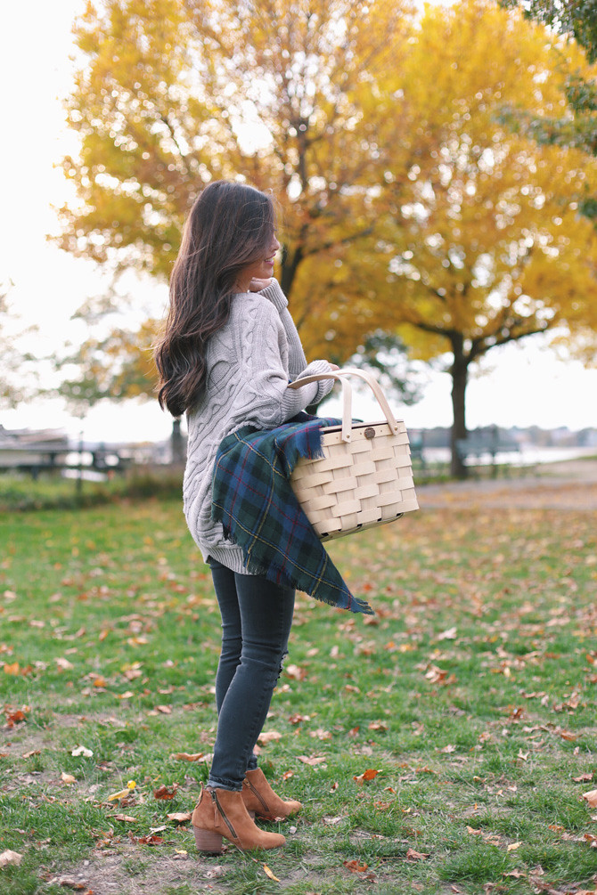Fall picnic cable sweater casual outfit ideas