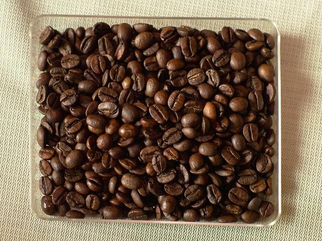 Lulu's Coffee & Co : Medium Roast (Q42016)