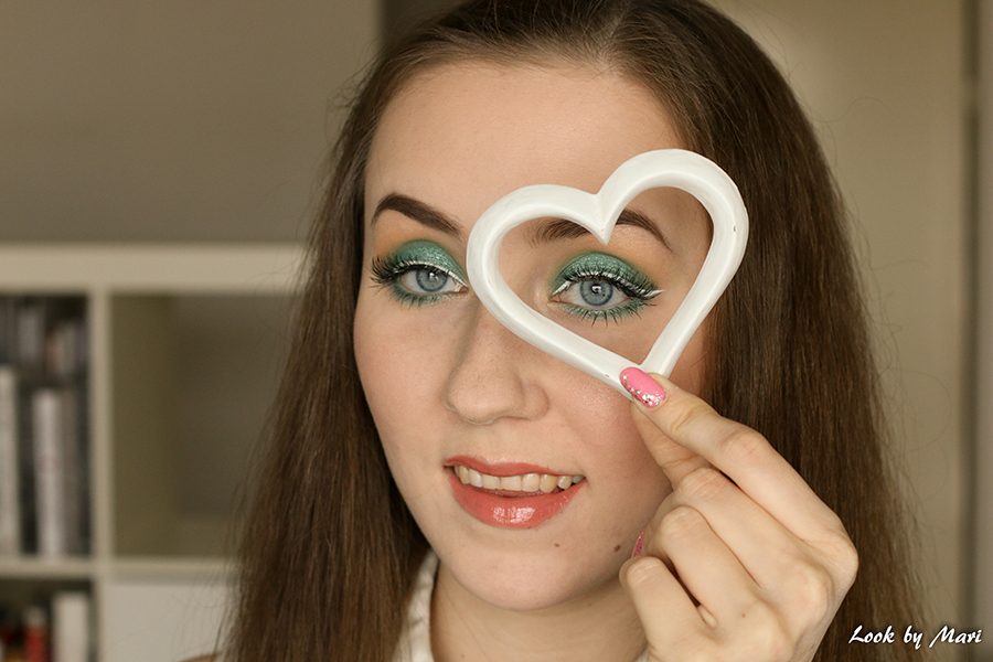 4 blue eyes green eye makeup
