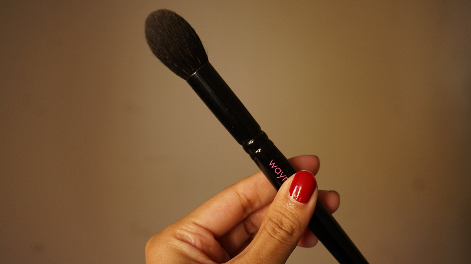 wayne goss brush 02 review girlandvanity.com