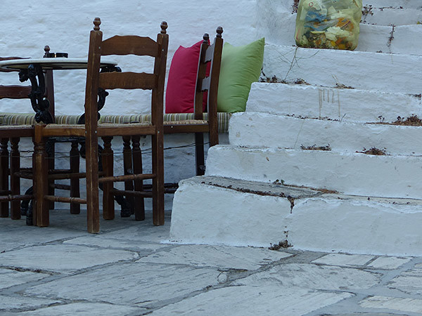 chaises et escaliers