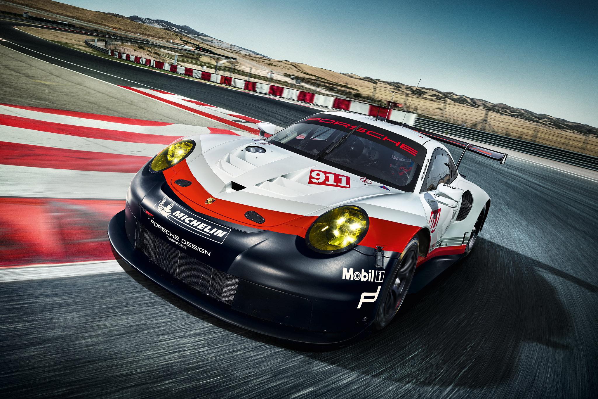 This is the Porsche 911 RSR
