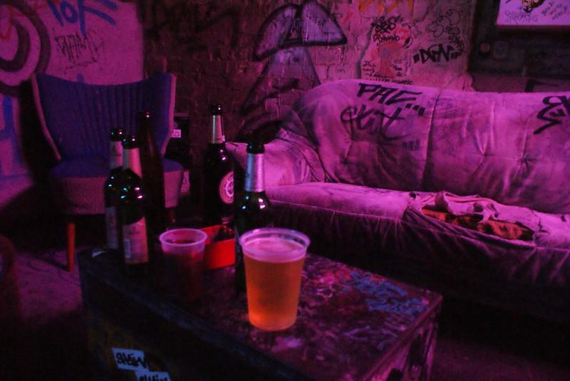 Bar du Tacheles à Berlin à l'image du lieu avant sa fermeture.