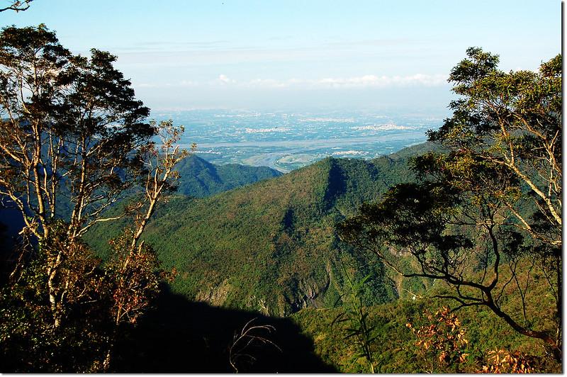 北德文山俯瞰隘寮溪、鹽埔地區