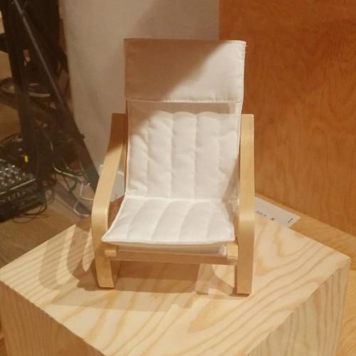 The POÄNG in miniature #toronto #designexchange #ikeacan40 #financialdistrict #ikea #poäng #chair