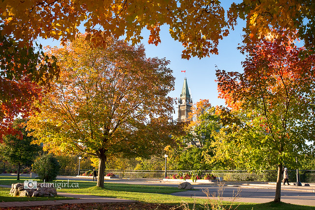 Parliament Hill in Ottawa on an autumn morning