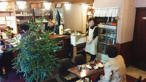 Obachan and ojichan run this small vintage Cafe Do Toyo in Chiyozaki, Osaka. The customers were senior citizens, except Astrid and me. #AestesGTJ #peopleofjapan