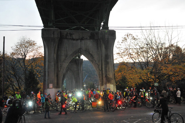 St Johns Bridge protest ride-15.jpg