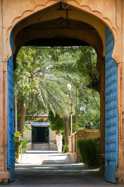 Entrance of a luxury hotel, Jaisalmer, India ジャイサルメール 高級ホテルの入口