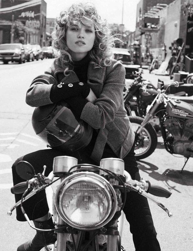 Hana-Jirickova-Vogue-Spain-Benny-Horne-02-620x807