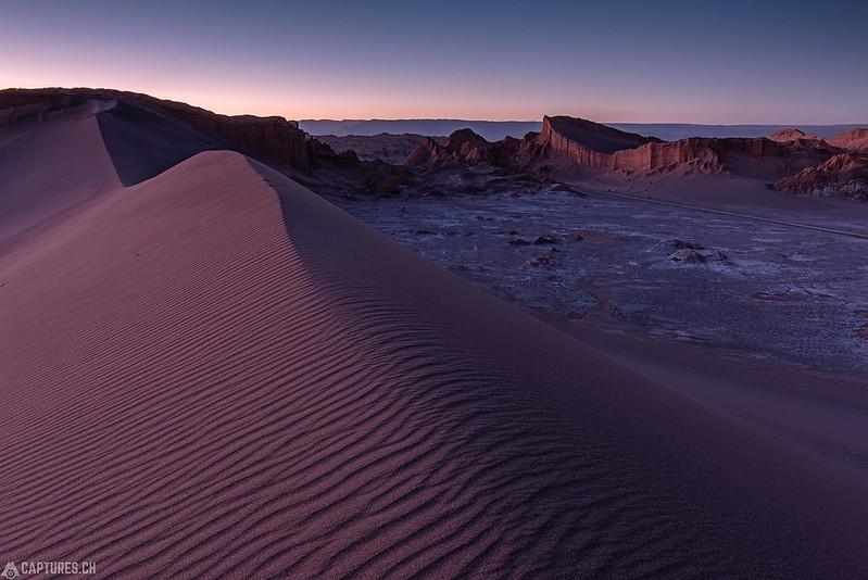 Dusk at the dune - Valle de la Luna