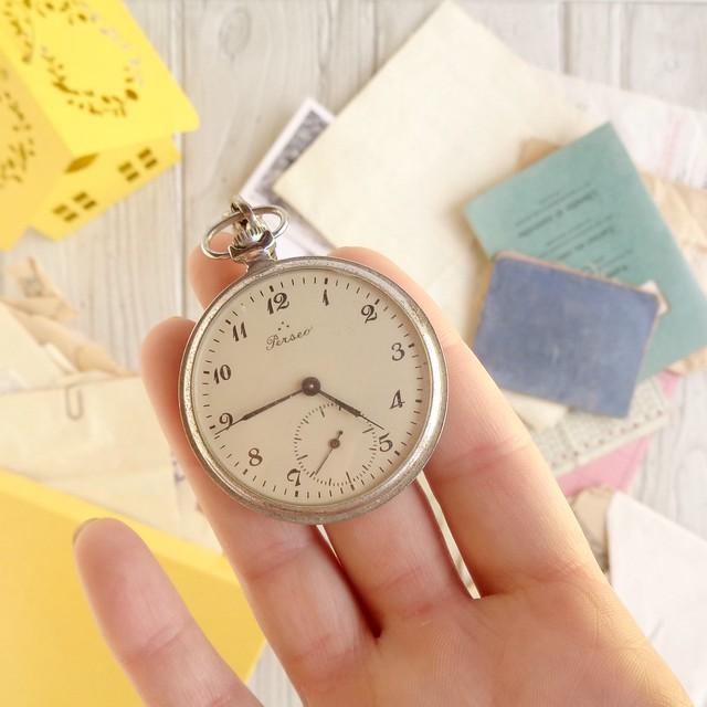 colori-preziosi-come-nasce-una-storia-orologio-tasca