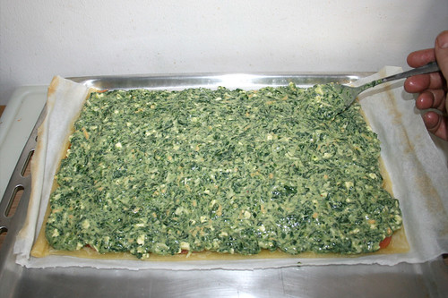 25 - Spinatmasse auftragen / Put on spinach mix
