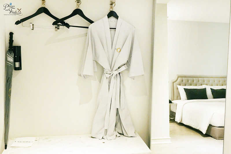 hotel once bangkok bathrobe