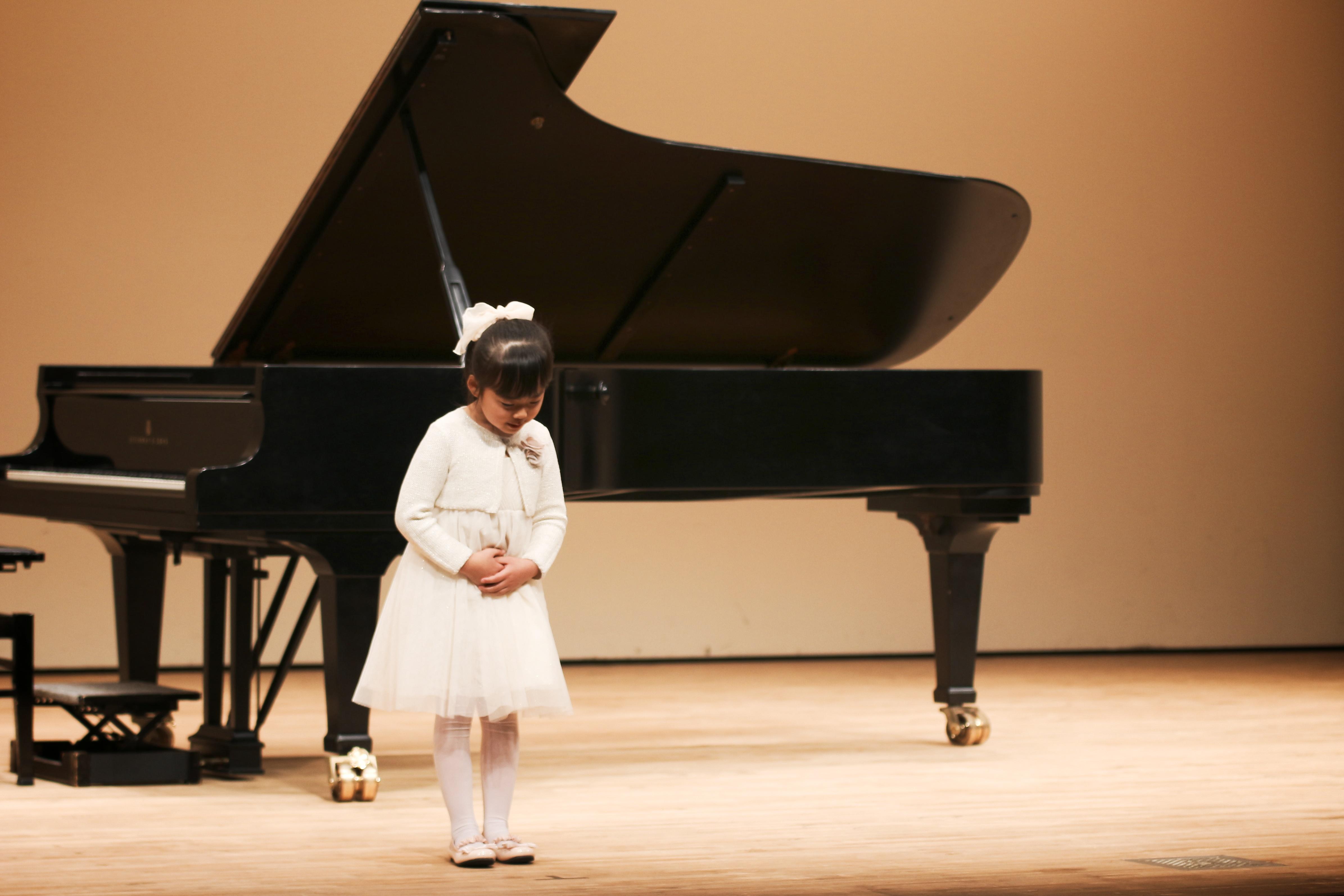 ピアノ 発表会 衣装 女の子 4