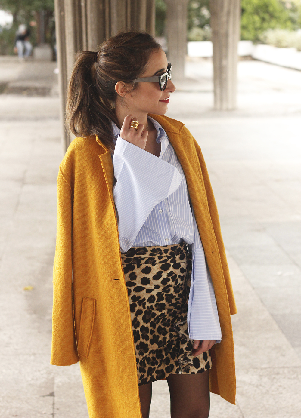 Leopard Skirt striped shirt black heels mustard coat fall outfit style fashion14