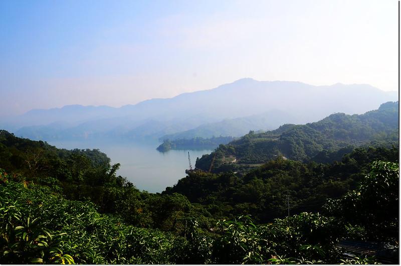 竹頭崎山登山口果園俯瞰南化水庫