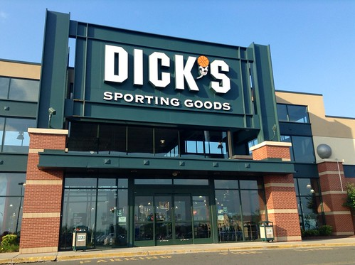 Dicks sporting goods manchester