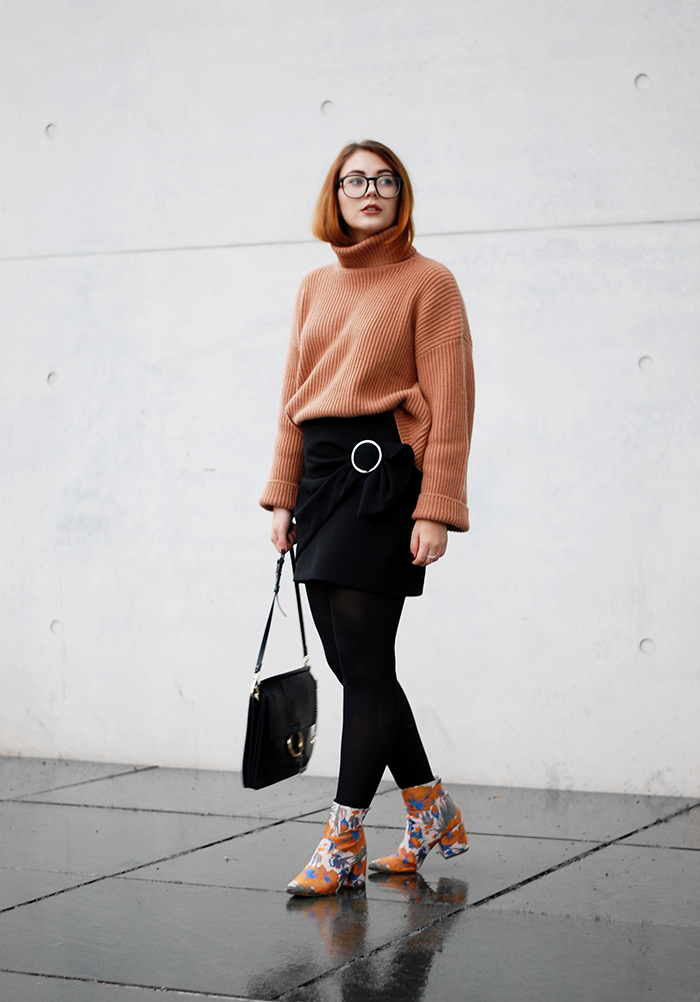 Turtleneck-wrap-skirt-5